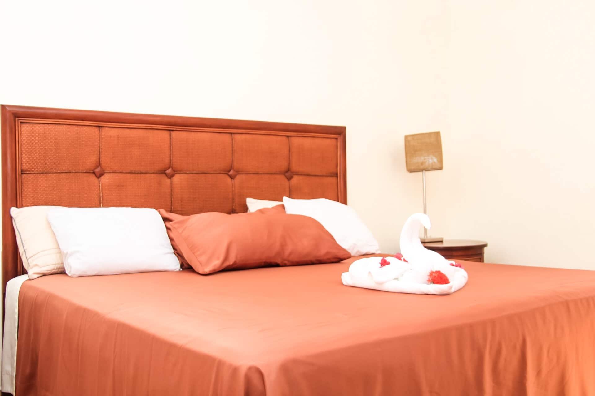cuarto doble hotel west bay colonial